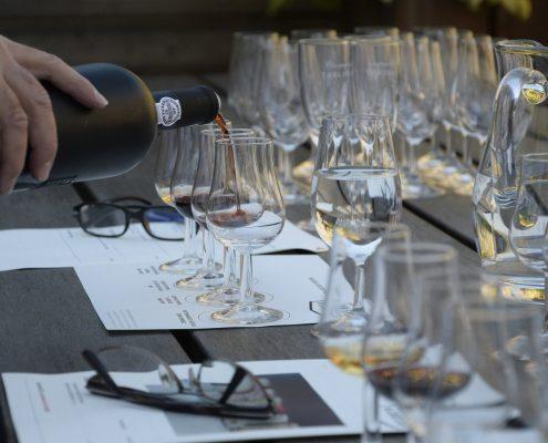 influencer marketing wine tasting